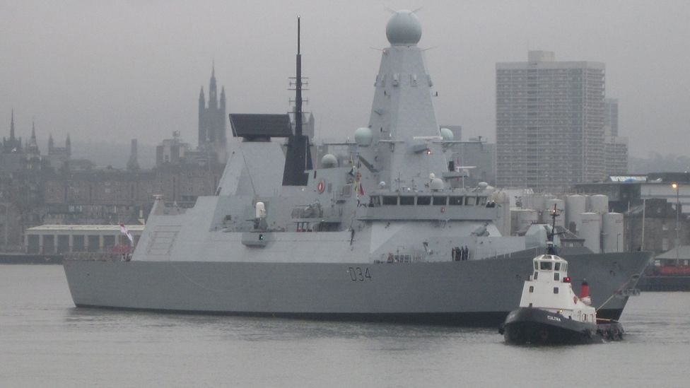HMS Diamond in Aberdeen harbour