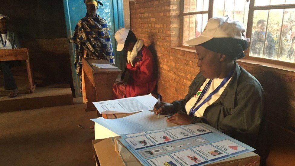 Poling station in Burundi (21 July 2015)