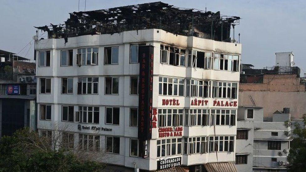 India tuition centre fire kills 20 in Gujarat state - BBC News