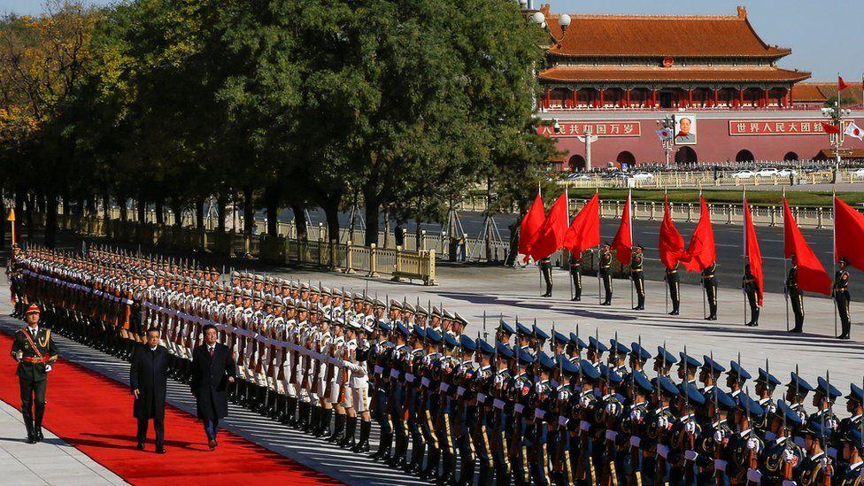 Shinzo Abe and Li Keqiang in Beijing