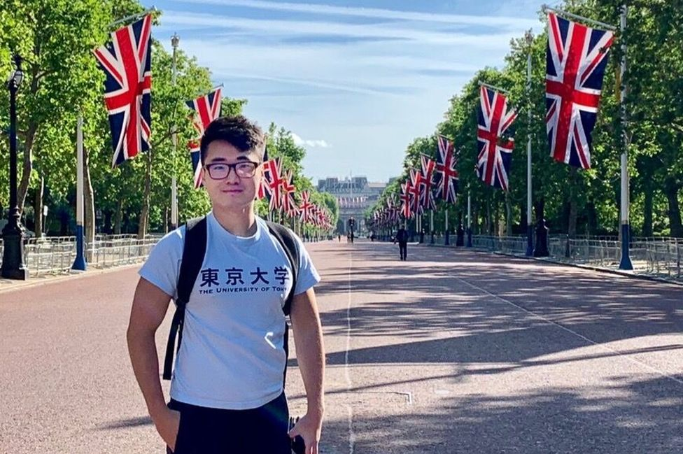 Simon Cheng on the The Mall in London