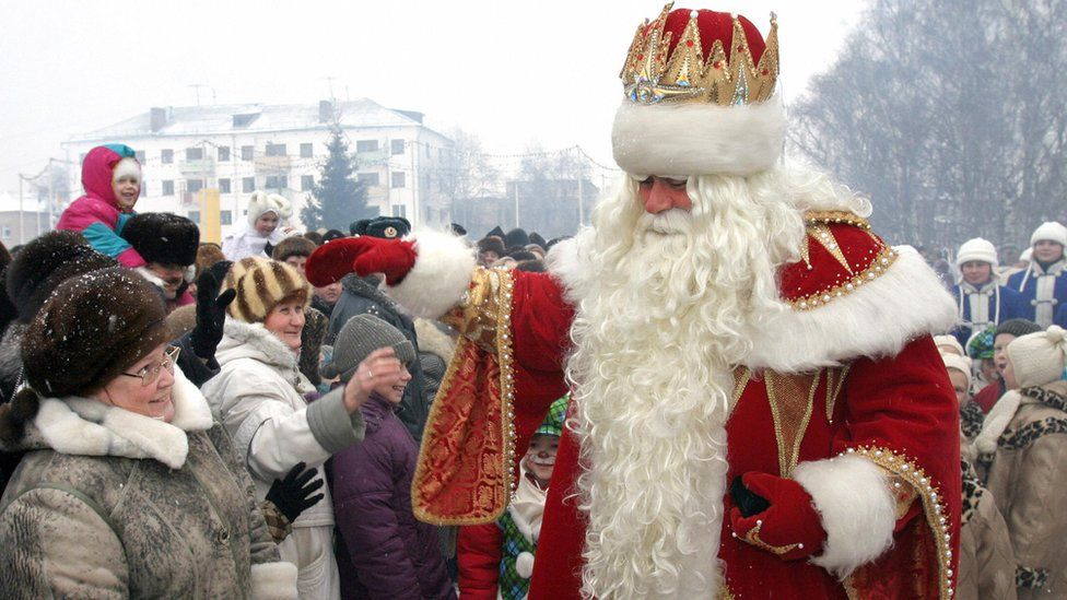 Grandfather Frost in Veliky Ustyug, 2003 file pic