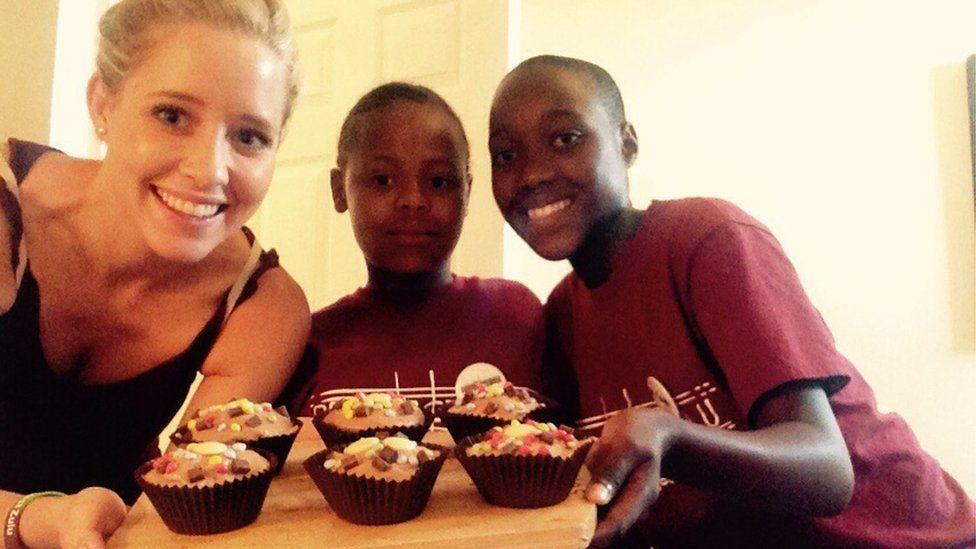 Jeanie Koster with Samukelisiwe and Nondumiso