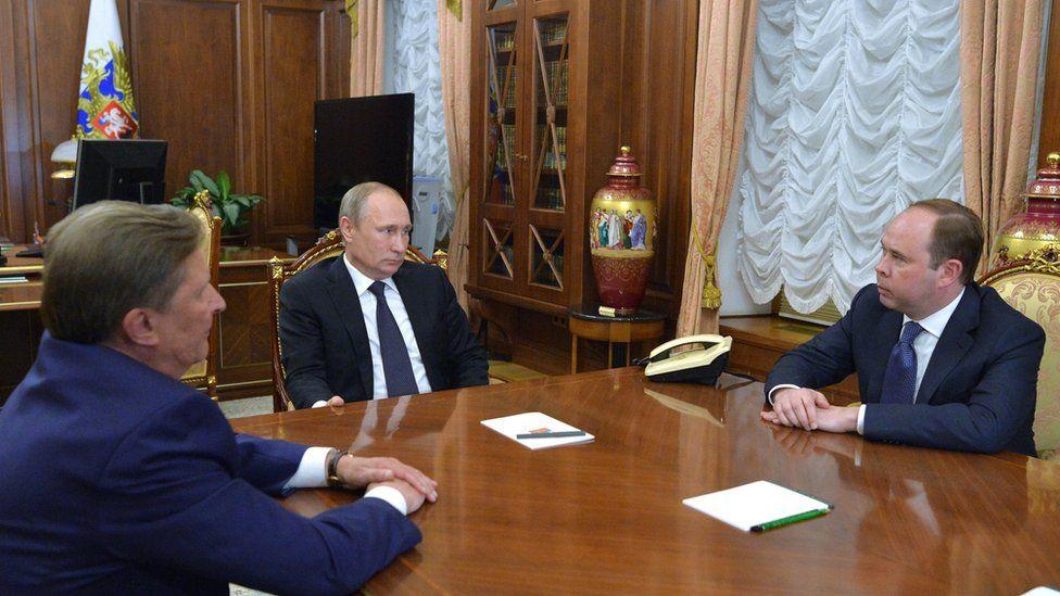 From left: Sergei Ivanov, Vladimir Putin, Anton Vaino - 12 Aug 16