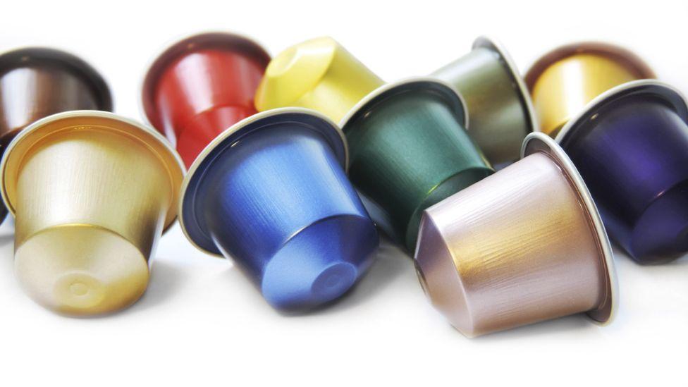 Multi-coloured capsules
