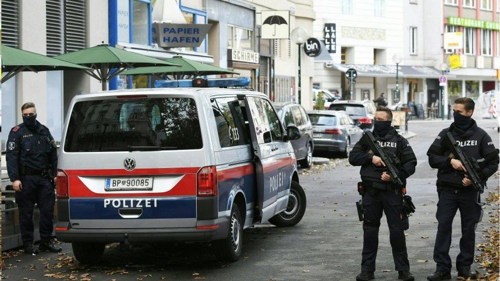 Vienna crime scene - police, 3 Nov 20