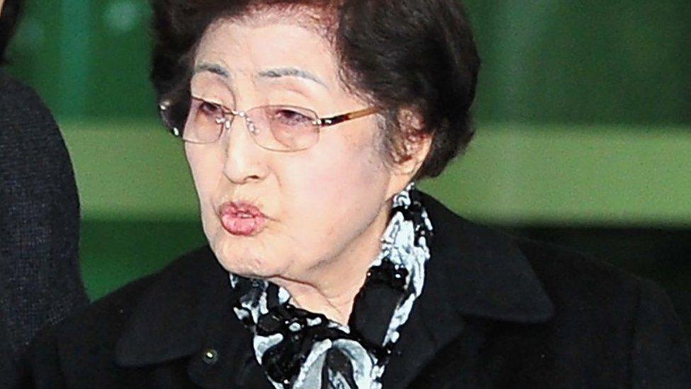 Lee Hee-ho (Dec 2011)