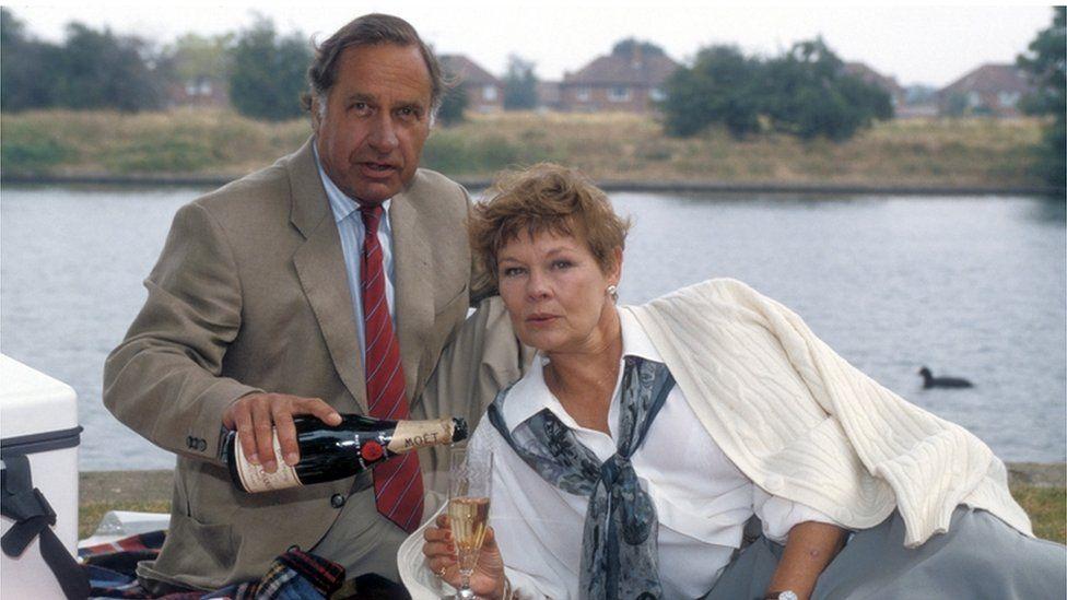 Geoffrey Palmer & Judi Dench in As Time Goes By