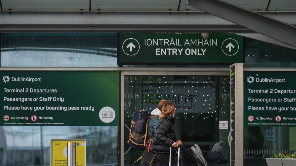 Passengers at the entrance to Terminal 2 at Dublin Airport
