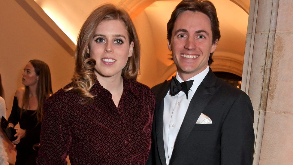 Princess Beatrice and Edoardo Mapelli Mozzi attend the Portrait Gala 2019 at the National Portrait Gallery on March 12, 2019