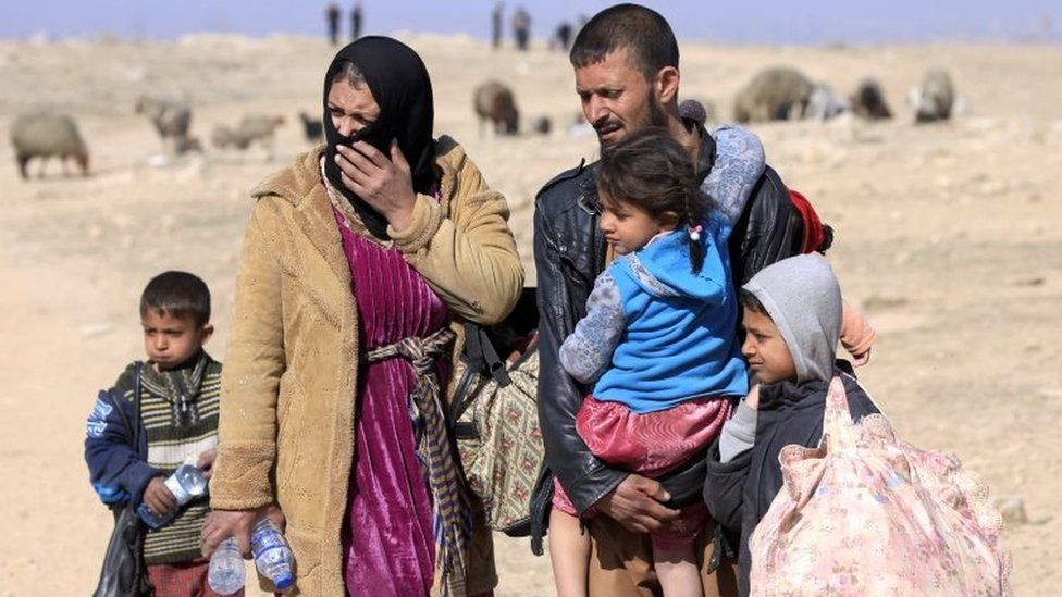 Iraqis flee their homes in western Mosul. Photo: 23 February 2017