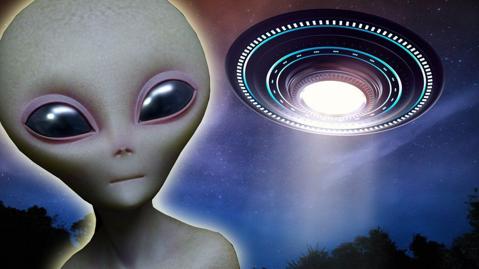 A Roswell-style alien and UFO