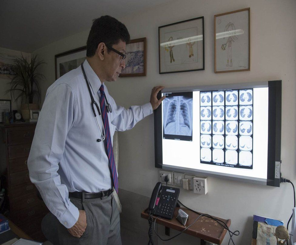 Dr Zarir Udwadia looks at X-rays