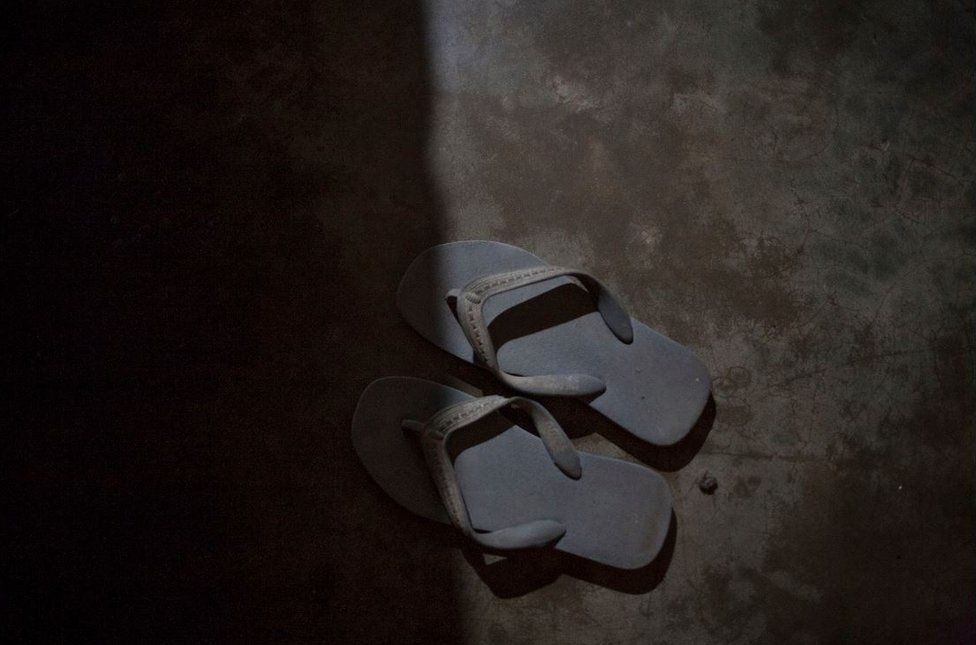 Navaruna's rubber sandals