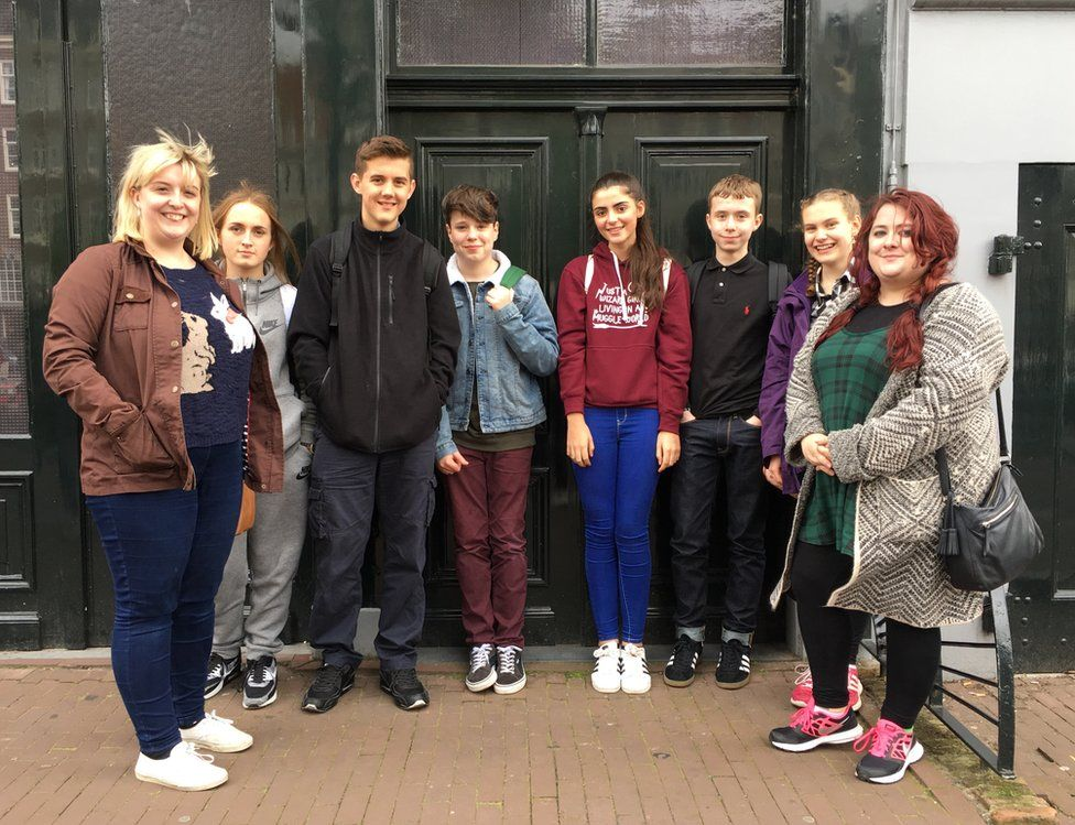 Dundee school pupils, with India centre
