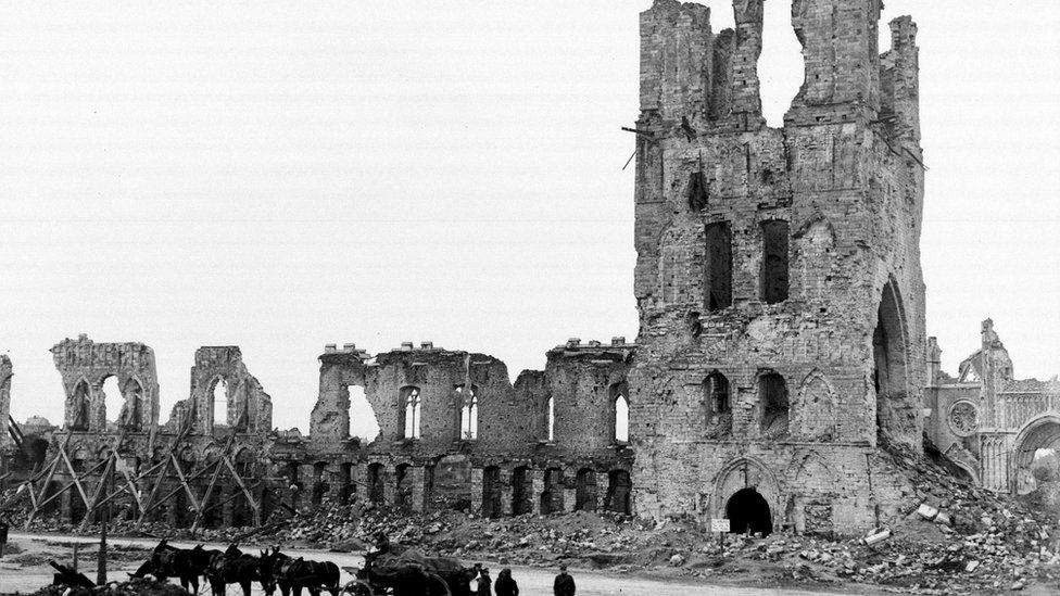 Cloth Hall in Ypres in 1917