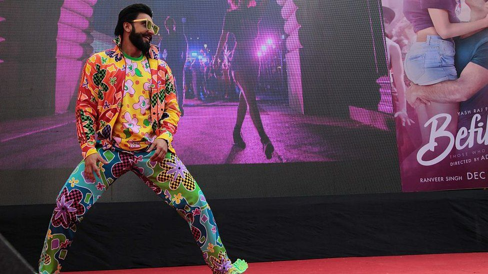 Bollywood actor Ranveer Singh during a promotion of upcoming movie Befikre and launch a new Bhangra song 'Khulke Dulke', at Delhi University's Law Faculty, North Campus on November 25, 2016 in New Delhi, India.