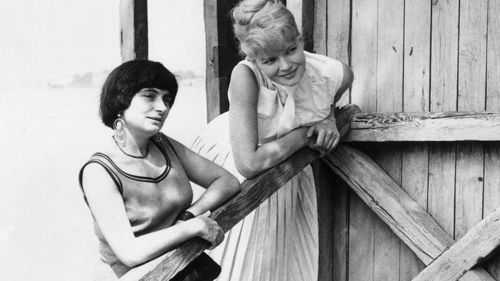 Varda (left) with actress Corinne Marchand at the 1962 Venice Film Festival