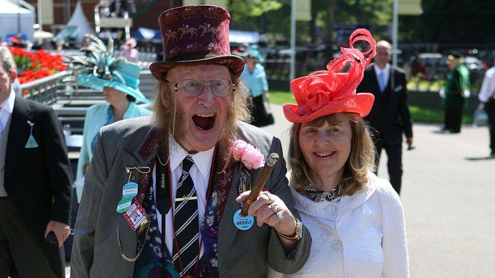 John McCririck with wife Jenny in 2009