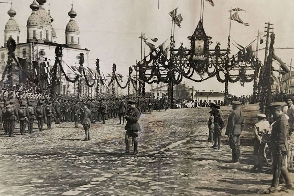Troops lining up in Arkhangelsk