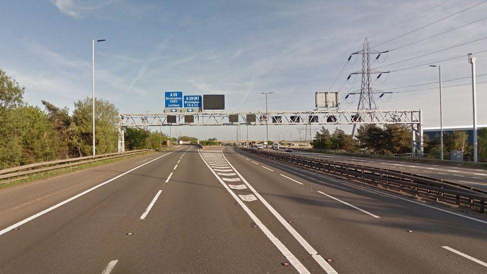 M6 southbound near junction 6 for Birmingham