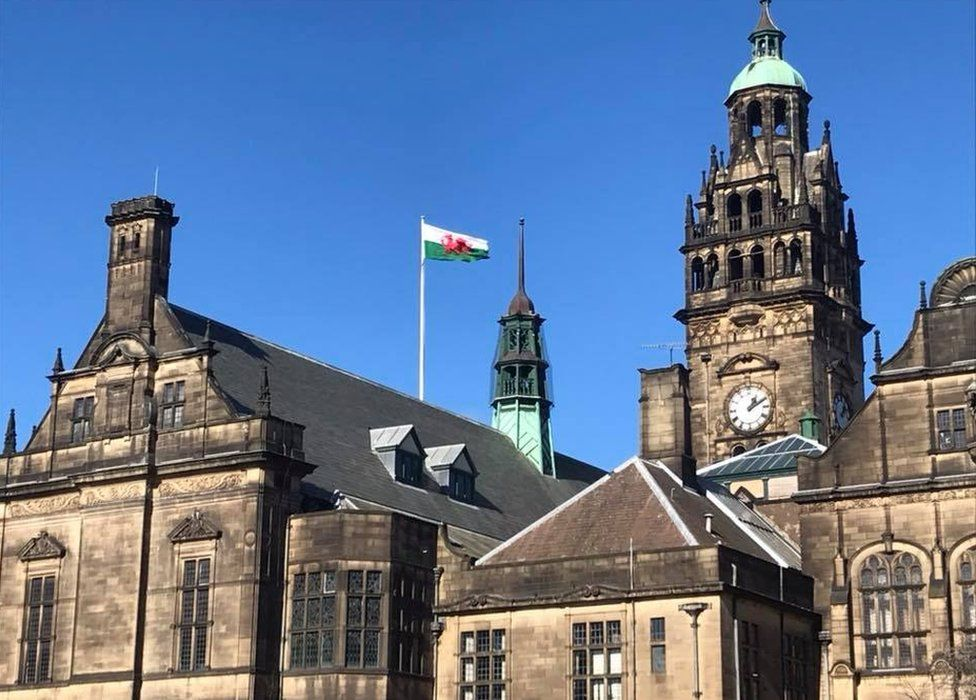 Welsh flag above Sheffield Town Hall