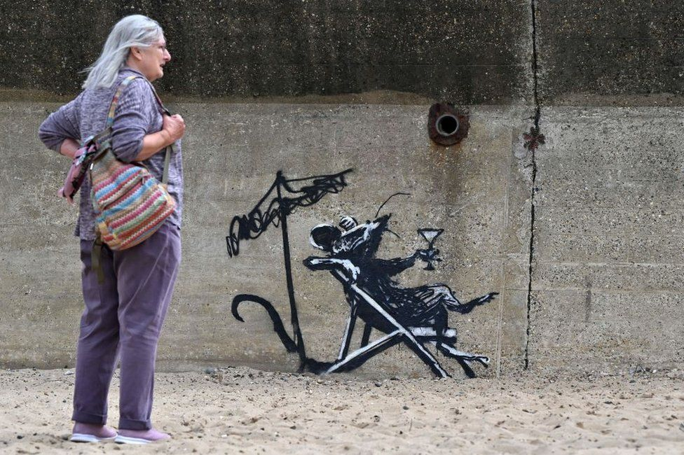 Possible Banksy mural featuring rat drinking a cocktail in Lowestoft