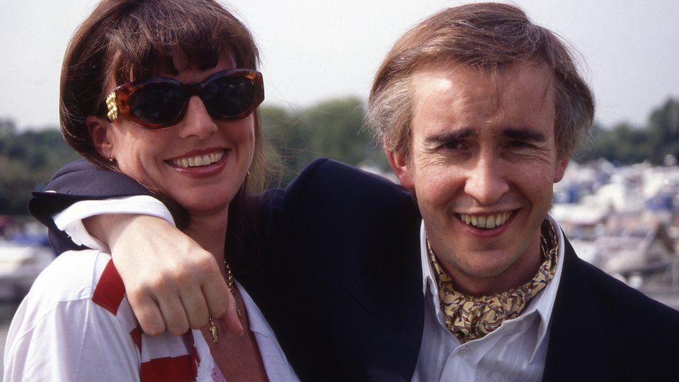 Alan Partridge wearing a cravat