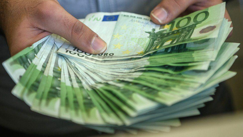 Türk Lirası'nın euro ve dolar karşısındaki değer kaybı sürer mi?