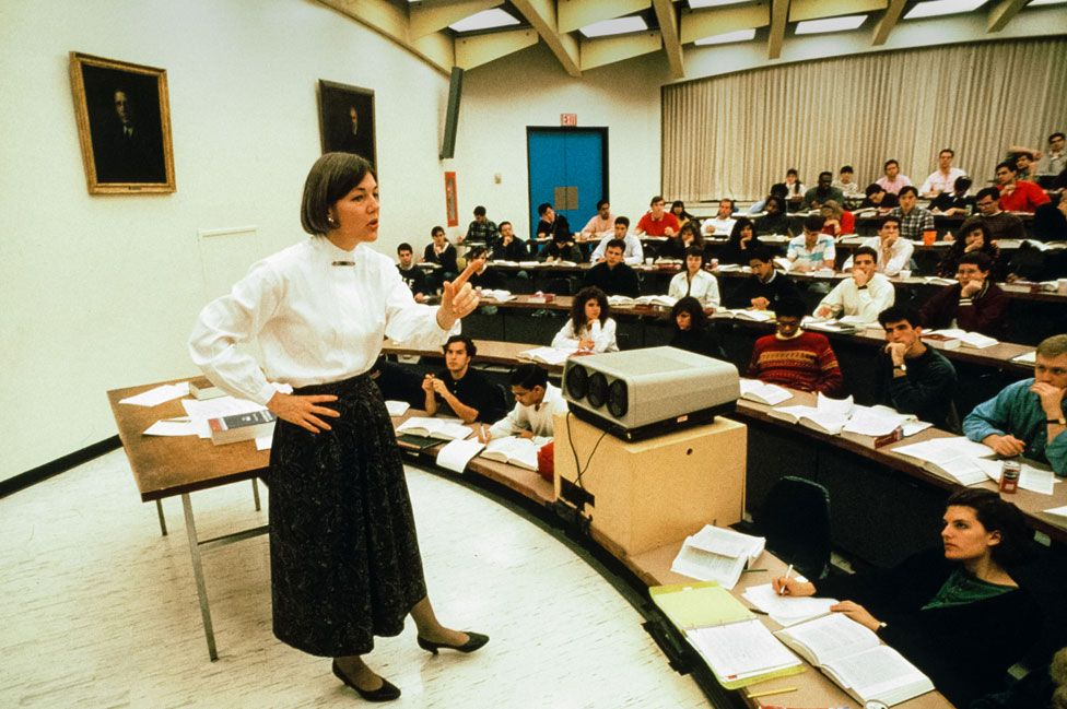 Professor Warren teaching in the early 1990s at the University of Pennsylvania