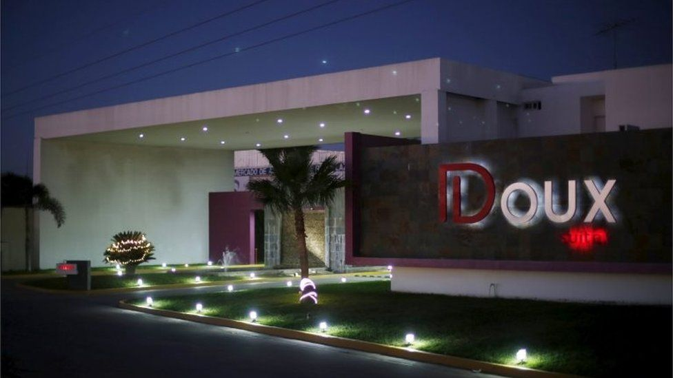 """A view of facade of the roadside motel Doux where an operation to recapture Joaquin """"El Chapo"""" Guzman concluded on Friday in Los Mochis, in Sinaloa state, Mexico, January 9, 2016"""