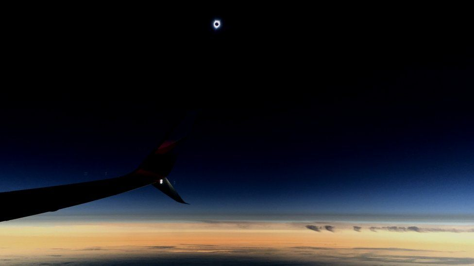 Solar eclipse seen from an Alaska Airlines flight, 21 August 2017