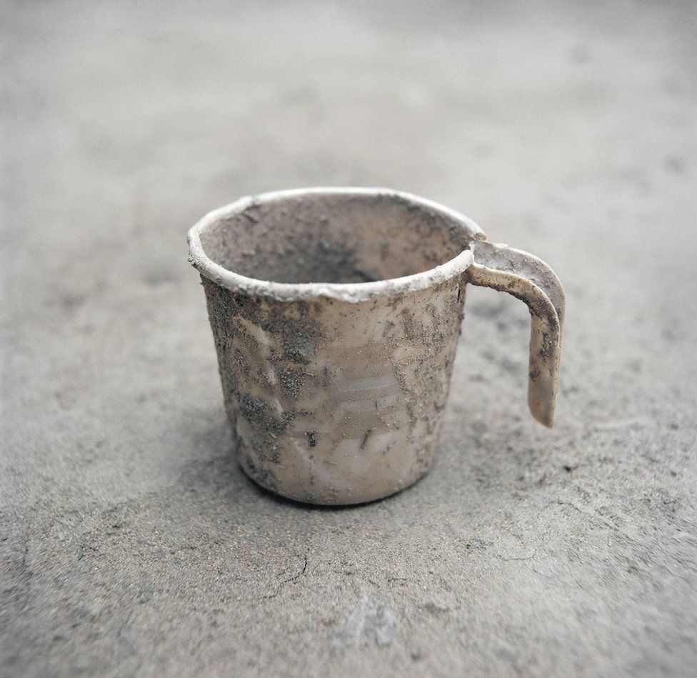 A dusty cup.