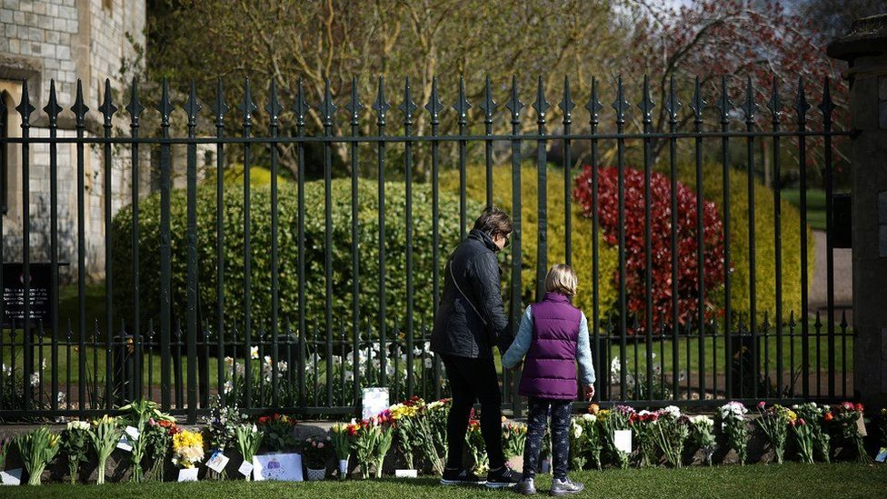 Mourners outside Windsor Castle
