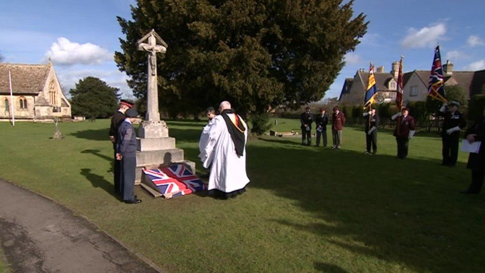 Quedgeley war memorial