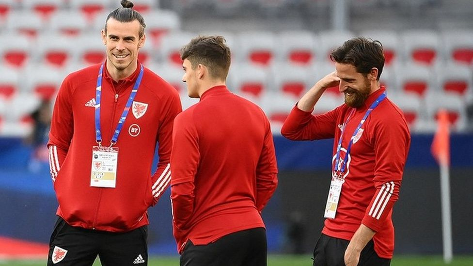 Gareth Bale and members of the Wales team