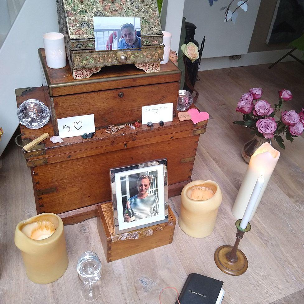 Emma's shrine to James