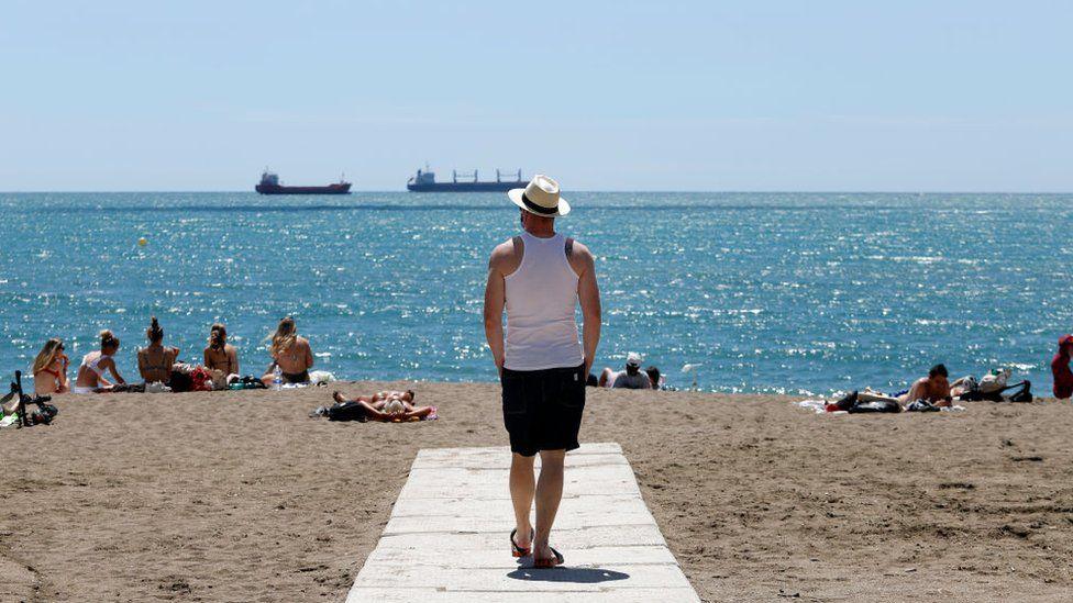EU unveils plans for overseas tourists to return thumbnail