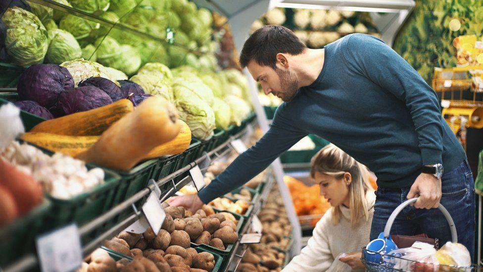 ¿Por qué muchos europeos prefieren hacer las compras en Alemania?