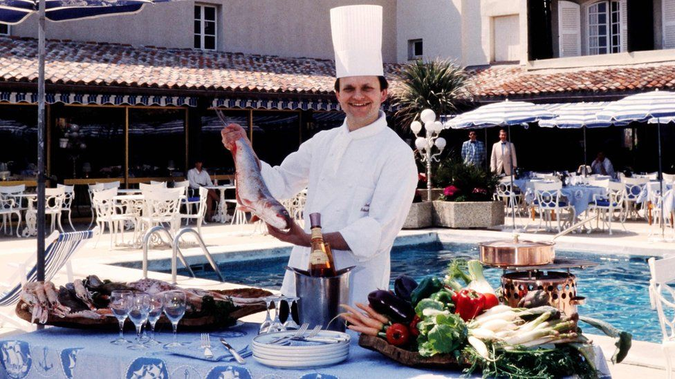 Joel Robuchon Michelin Star French Chef Dies Aged 73 Bbc News