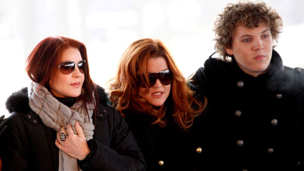Lisa Marie Presley S Son Benjamin Keough Dies At 27 Bbc News