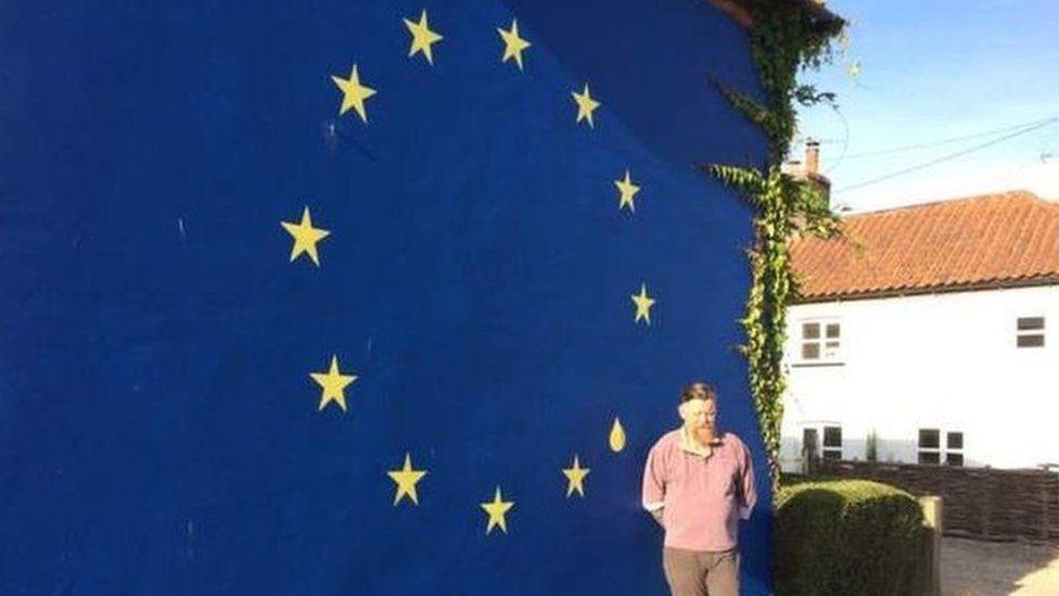 Bren Goillon with the flag