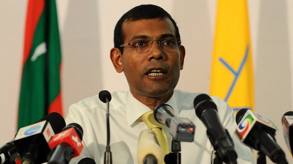 Mohamed Nasheed speaks during a press conference in Male, 10 November 2013.