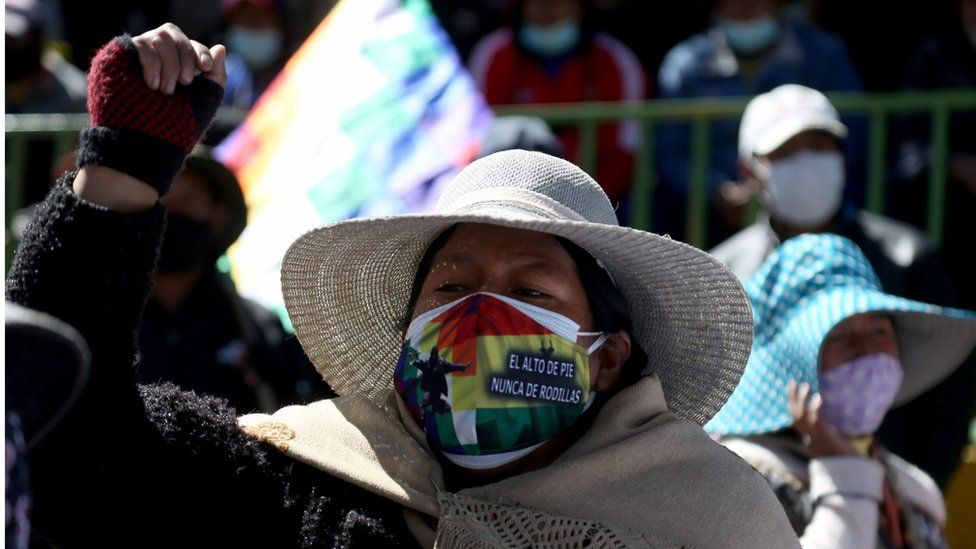 Supporters of Bolivian former president (2006-2019) Evo Morales take part in a open deliberative meeting (Cabildo, in Spanish) asking for the resignation of President Jeanine Anez in El Alto, Bolivia, on August 14, 2020 amid the COVID-19 pandemic