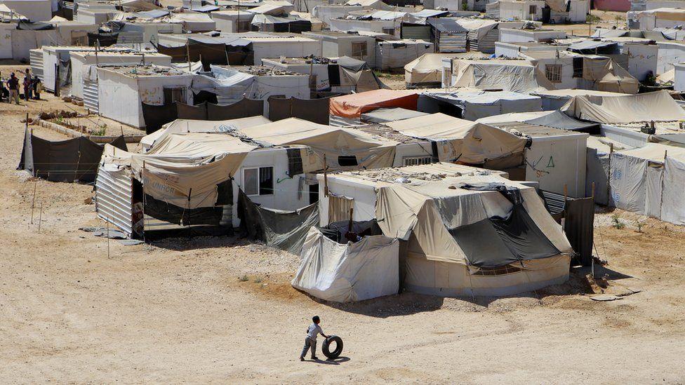 Ffoaduriaid Syria yng ngwersyll Zaatari yn Yr Iorddonen