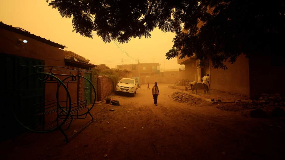 This picture taken on March 29, 2018, shows the dust storm in Khartoum A thick sandstorm engulfed the Sudanese capital on Thursday, forcing authorities to cancel flights and shut schools in Khartoum and other nearby town