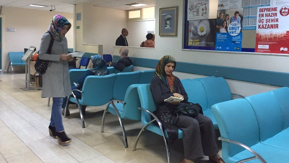 Syrians wait for health treatment