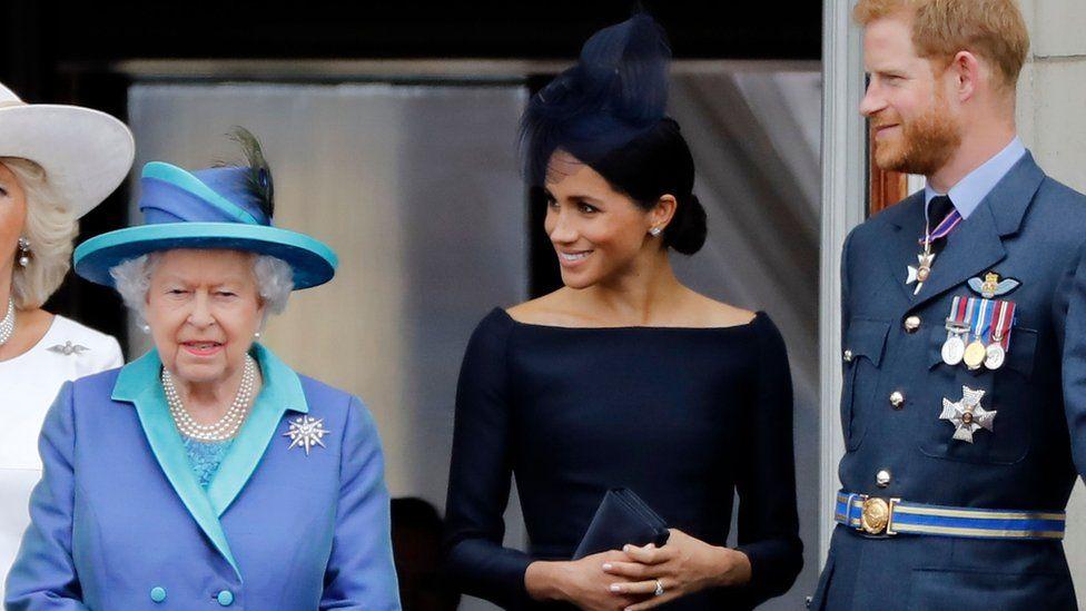 Reina Isabel II, Meghan Markle y Harry