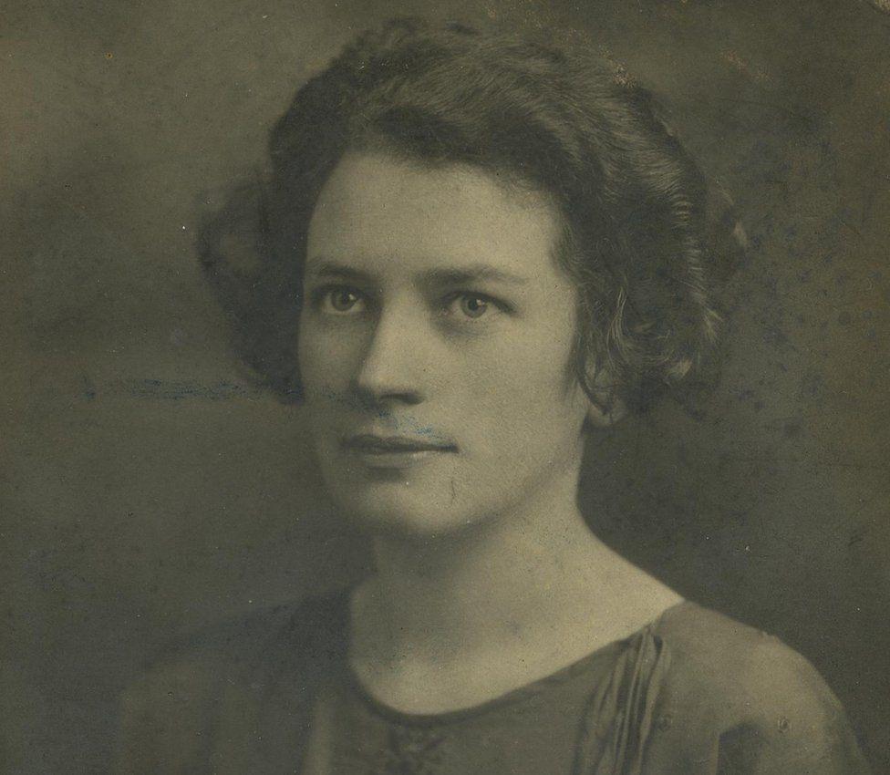 A studio portrait of a young Eithne Coyle