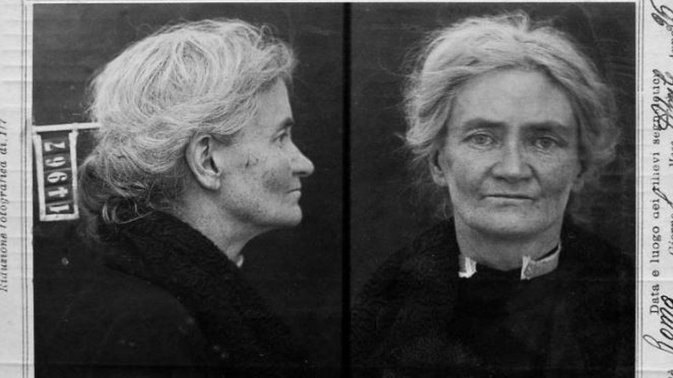 A mugshot of Violet Gibson taken from a side and front view, after her attempt to shoot Benito Mussolini